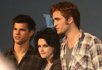 Taylor-lautner-kristen-stewart-robert-pattison
