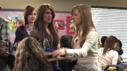 Shenae-on-Degrassi-7x01-shenae-grimes-8631000-624-352