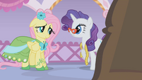 Rarity asks Fluttershy for some feedback S1E14