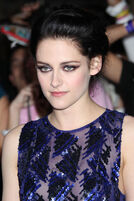 Kristen+Stewart+Stars+Breaking+Dawn+Premiere+15dE4Tp0g81l
