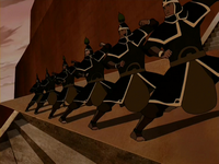 Royal Earthbender Guards fighting stance