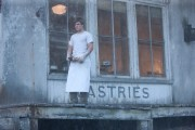 180px-Peeta the boy with the bread