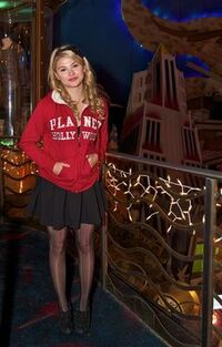 Normal Stefanie Scott-Planet-Hollywood7-1