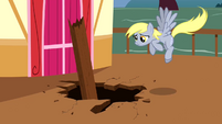Derpy Hooves Flying 3 S2E14