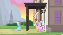 201px-Rainbow Dash being discharged again 2 S2E16