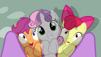 CMC under Twilight&#39;s legs S2E17