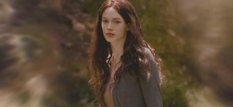 http://images1.wikia.nocookie.net/__cb20120223123212/twilightsaga/images/c/c8/BD1-_Renesmee_Grown_Up_3.jpg