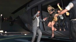MaxPayne3-Screenshot-Fabiana&Giovanna