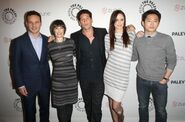 The-walking-dead-cast-pic 495x327