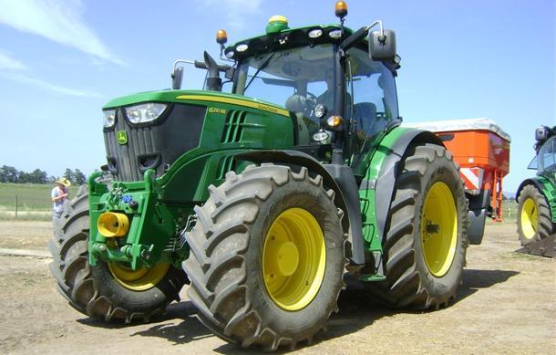 Jd R Series Tractors : Image john deere r series g tractor construction