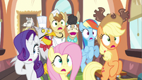 Rarity &amp; group gasp S2E24