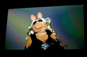 TheTrevorProject-TravorLive-MissPiggy-(2011-12-04)-01