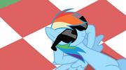 Rainbow Dash chillin&#39; S02E03