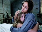 Katniss prim hug