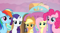 The main 5 ponies worried about Twilight S2E25