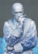 Mr. Freeze (Arnold Schwarzenegger) 3