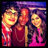 Victoria-justice-victorious-matt-bennett