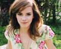 Emma-Watson-Wallpaper-8.jpg