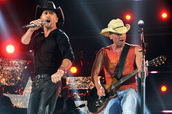 Tim mcgraw kenny chesney