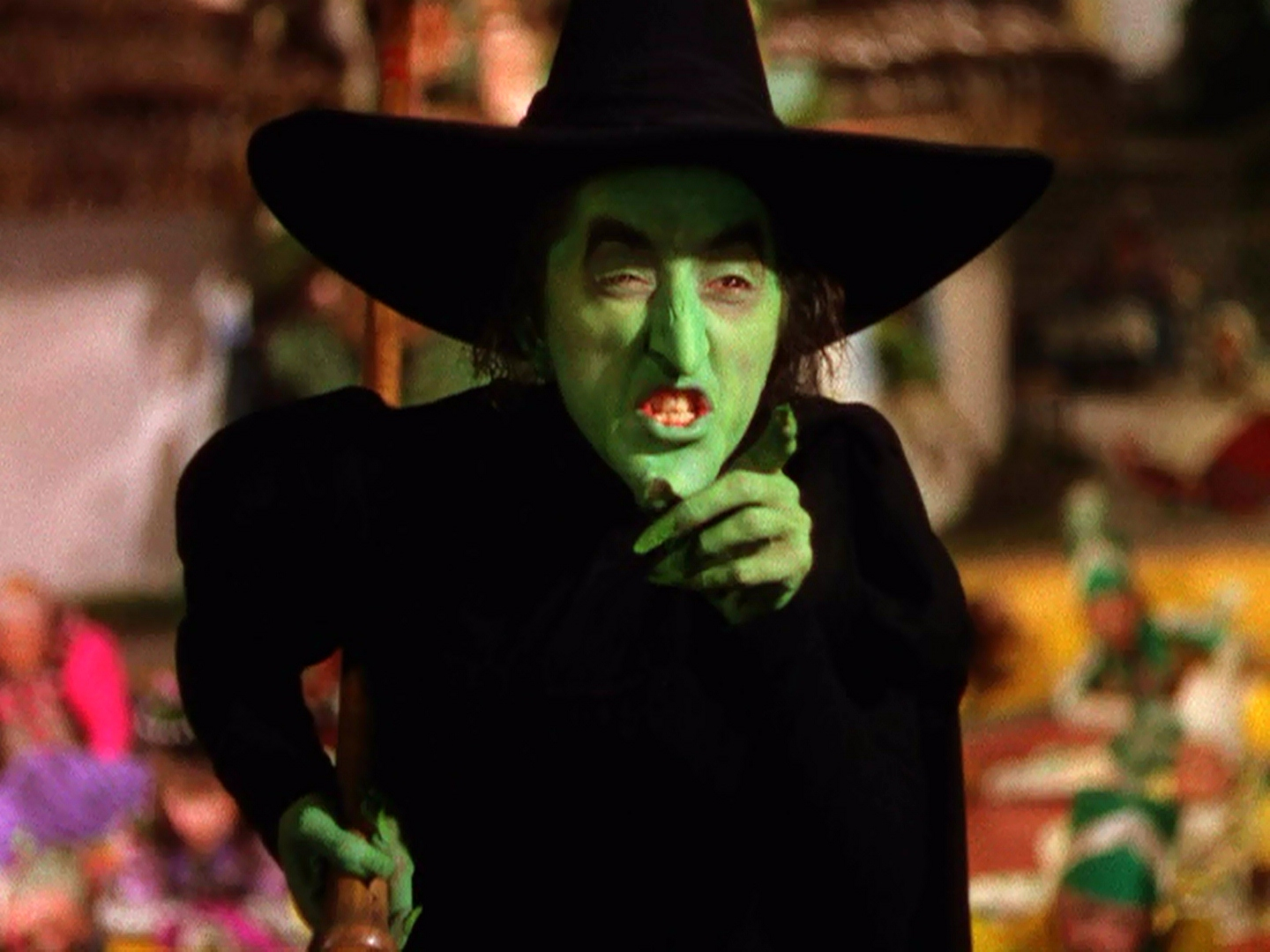 http://images1.wikia.nocookie.net/__cb20120630143957/villains/images/8/8f/Wicked_witch.jpg