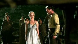 Daenerys y Jorah ante la pira HBO