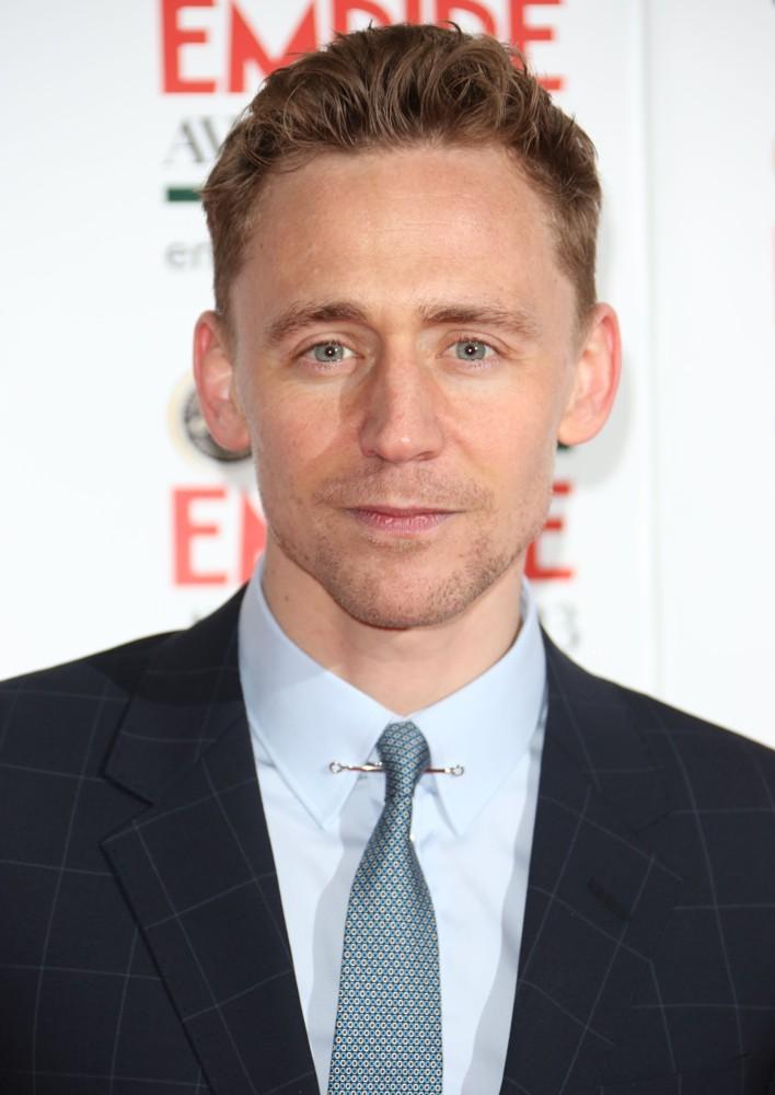 *tchi tchaa* Ciné cinéma, par ici ! - Page 23 Tom_Hiddleston