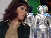 SarahSpiesOnCybermenBetter