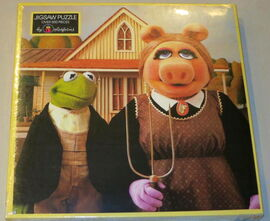 Colorforms 1985 kermitage collection puzzle american gothic 1