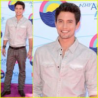Jackson-rathbone-tca-show