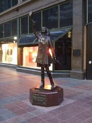 Mary Tyler Moore Statue- Minneapolis
