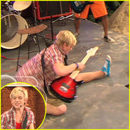 Ross-lynch-aa-clip