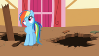Rainbow Dash rolling her eyes at Derpy (again) S02E14