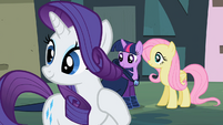 Rarity hear Rainbow Dash S2E8