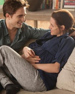 Bella and edward on the last day of pregncey