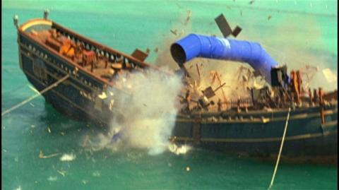 "Pirates of the Caribbean Dead Man's Chest (2006) - Clip Ship Destroyed - 32 ""PR EXCLUSIVE, DONT USE"""