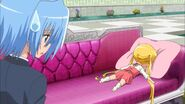 -HorribleSubs- Hayate no Gotoku Can't Take My Eyes Off You - 01 -720p-.mkv snapshot 06.39 -2012.10.04 15.21.10-