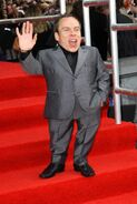 Warwick-Davis-1626551