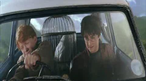 Harry Potter and the Chamber of Secrets - Flying Ron's Car