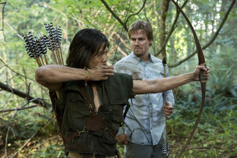 Arrow (Arrow) (2012) Arrow_TV_Series_Episode_Damaged_001