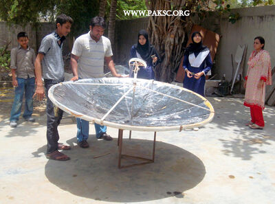 Para bolic solar cooker remaking school students (24)