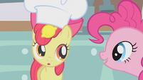 Apple Bloom balancing lemon on head S1E12