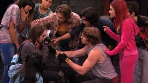 Victorious-1x03-Stage-Fighting-ariana-grande-20778753-1280-720