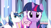 Twilight looking at us S3E1
