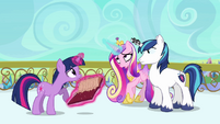 Cadance wobbling S3E1