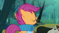 Scootaloo trying to look friendly S3E6