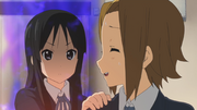 Mio angry with Ritsu