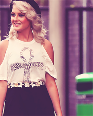Perrie-Edwards-3