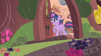 Twilight calls Rarity &amp; Applejack S01E08