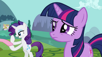 Twilight and Rarity &quot;mishap at Sweet Apple Acres&quot; S03E10