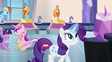 Rarity with magic aura S03E12